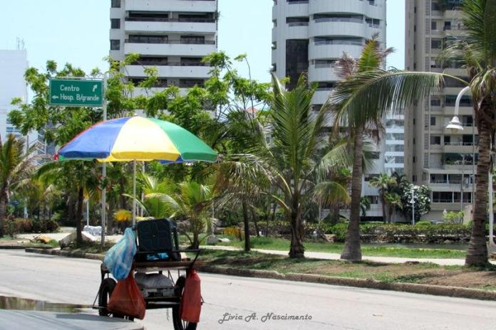 The biggest hotels in Cartagena are located in the Bocagrande region, where you can walk around, but mostly cars go by.. Street vendors, though, like all throughout the country, are seen constantly