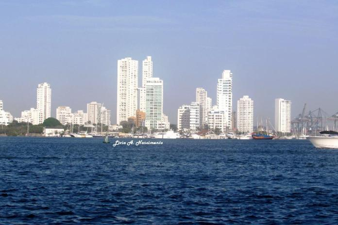 Castillogrande is also a richer spot, and the tall buildings call our attention, differently from other parts of the city